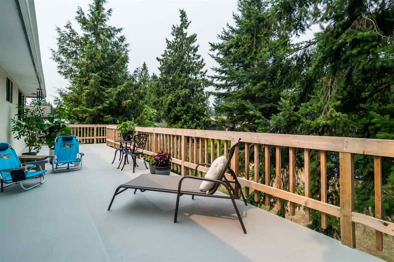 Detached at 20467 43 AVENUE, Langley, British Columbia. Image 16