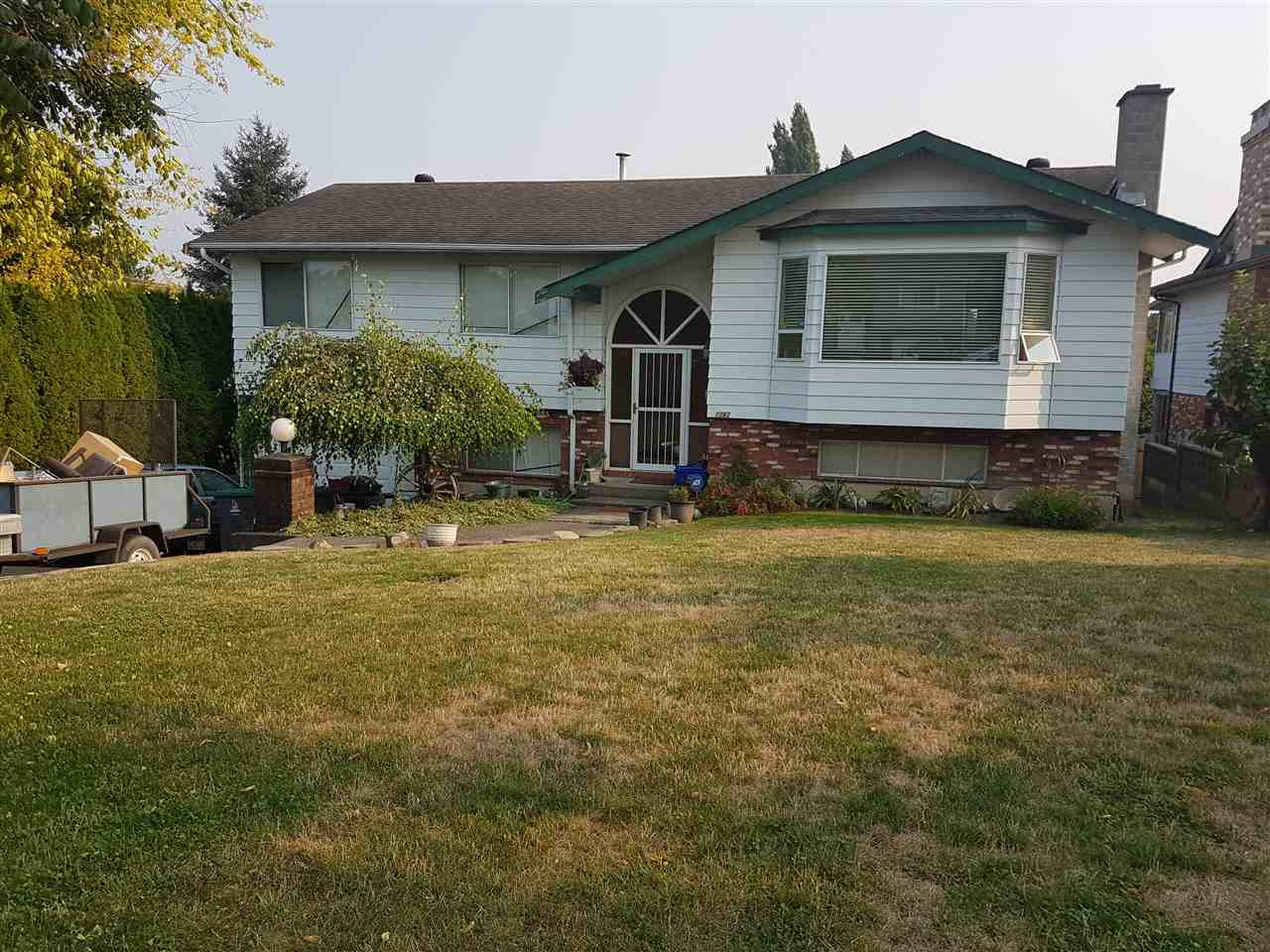 Detached at 17282 59A AVENUE, Cloverdale, British Columbia. Image 2