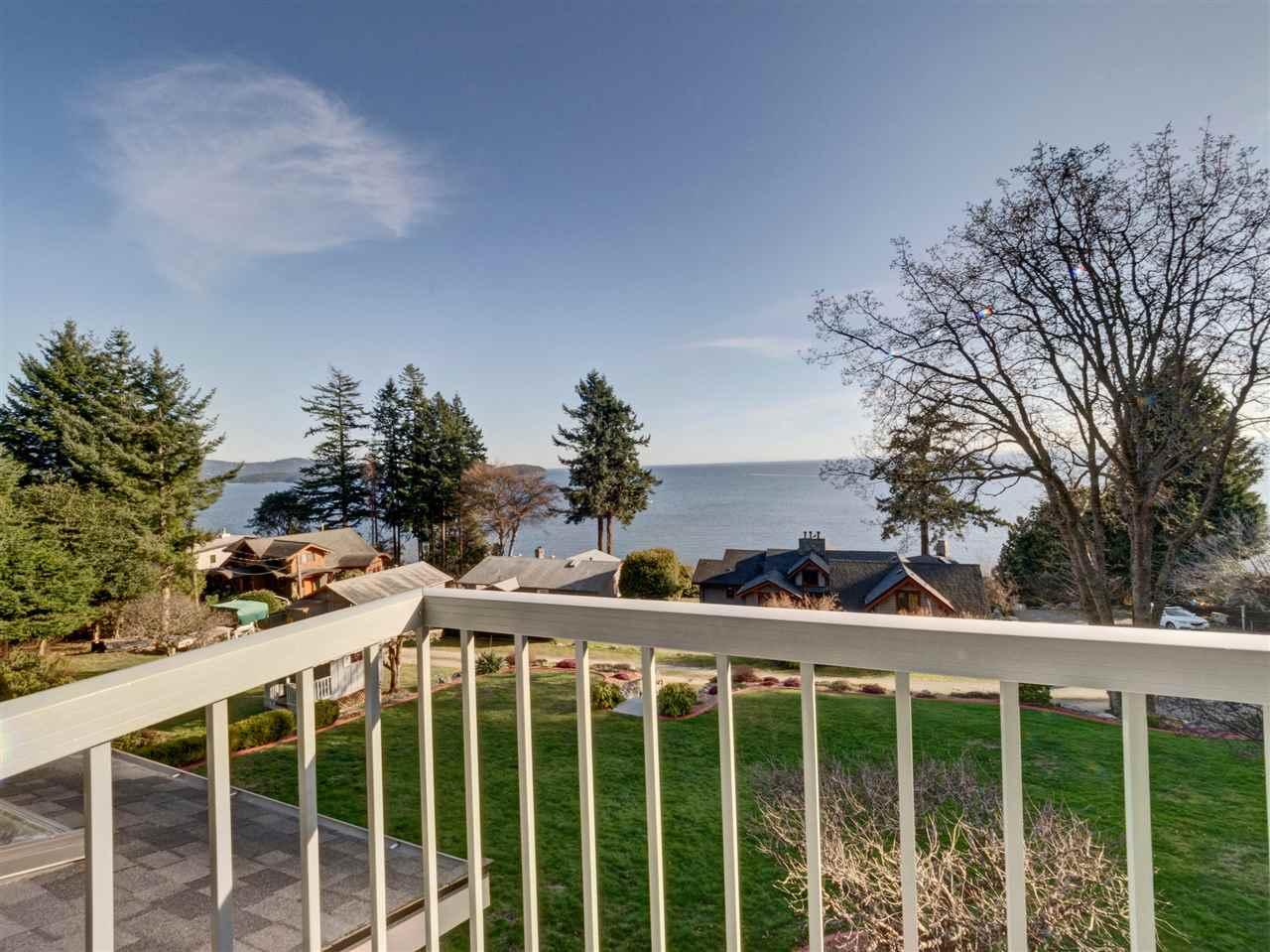 Detached at 90 HEAD ROAD, Sunshine Coast, British Columbia. Image 12
