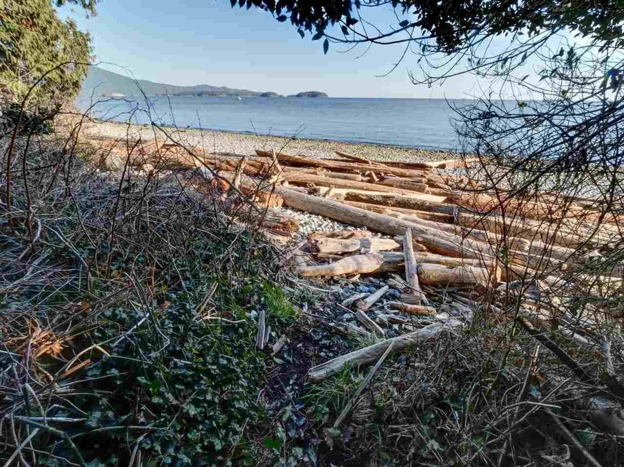 Detached at 90 HEAD ROAD, Sunshine Coast, British Columbia. Image 19