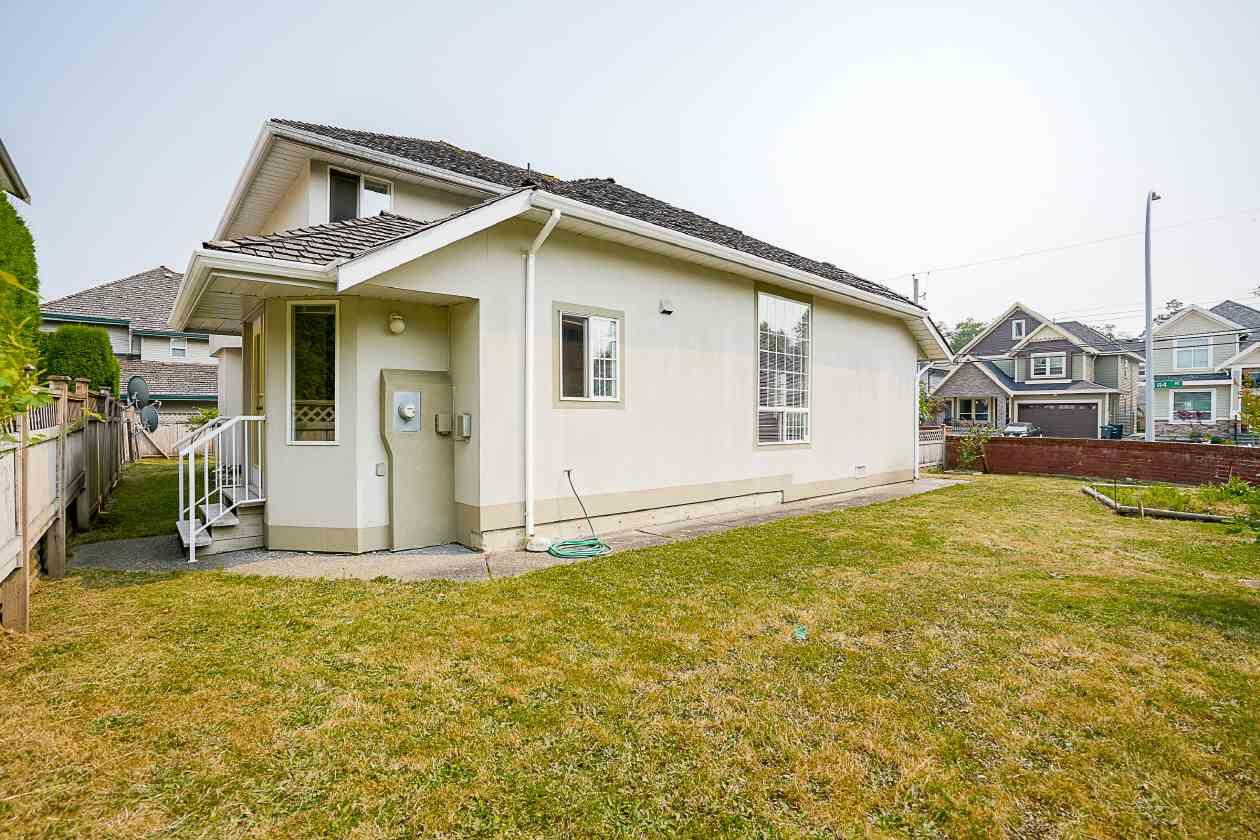 Detached at 16715 84 AVENUE, Surrey, British Columbia. Image 17