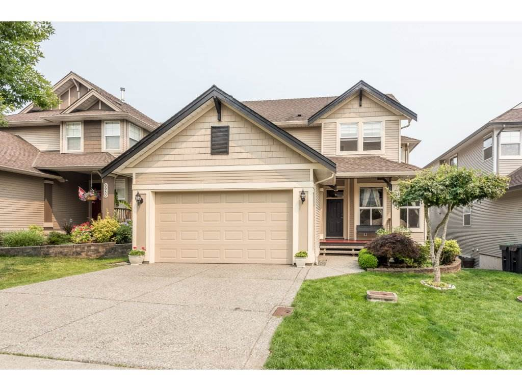 Detached at 6944 196A STREET, Langley, British Columbia. Image 1
