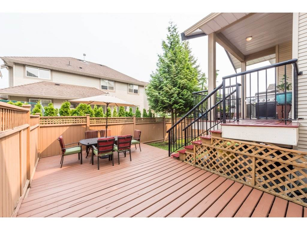 Detached at 6944 196A STREET, Langley, British Columbia. Image 2
