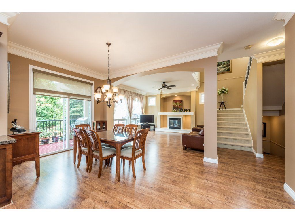 Detached at 6944 196A STREET, Langley, British Columbia. Image 6