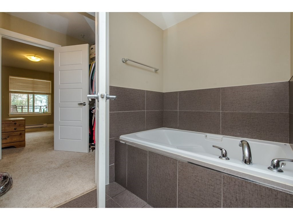 Condo Apartment at , Ontario. Image 12