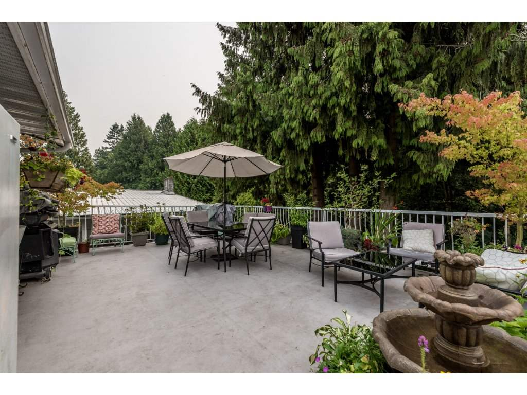 Detached at 5493 BRYDON CRESCENT, Langley, British Columbia. Image 3