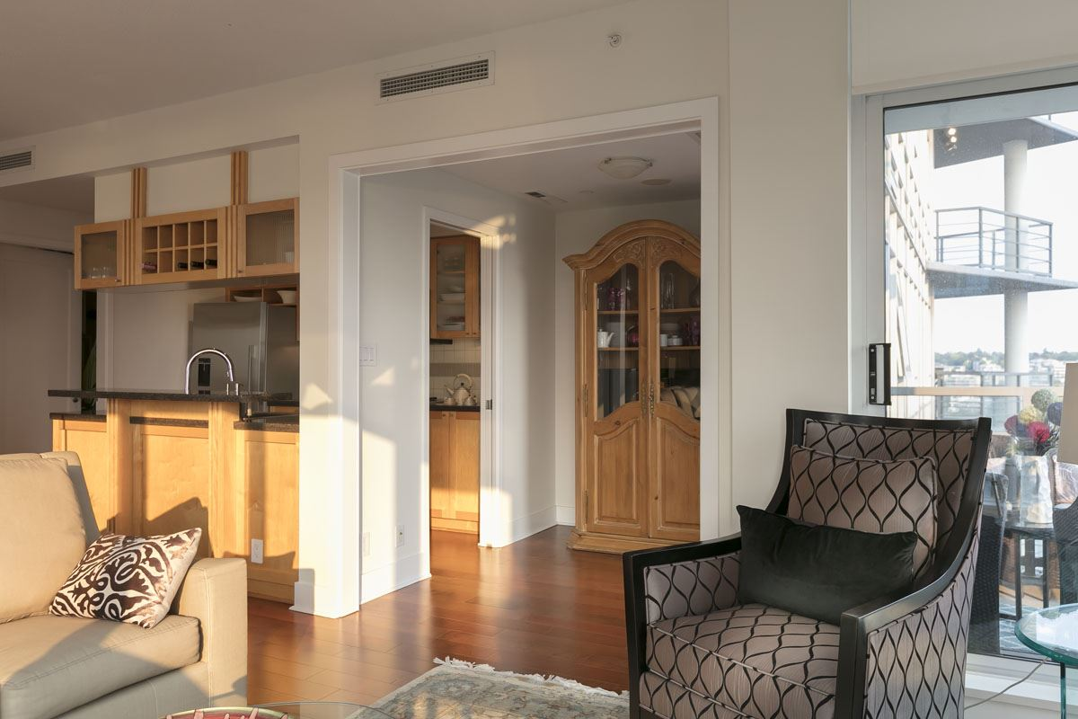 Condo Apartment at 1506 1483 HOMER STREET, Unit 1506, Vancouver West, British Columbia. Image 5