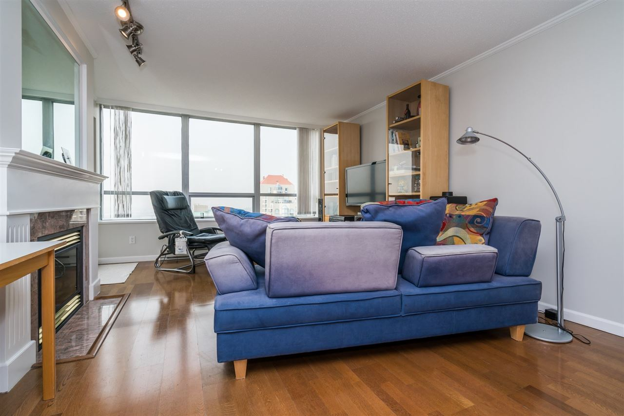 Condo Apartment at 1907 612 SIXTH STREET, Unit 1907, New Westminster, British Columbia. Image 3