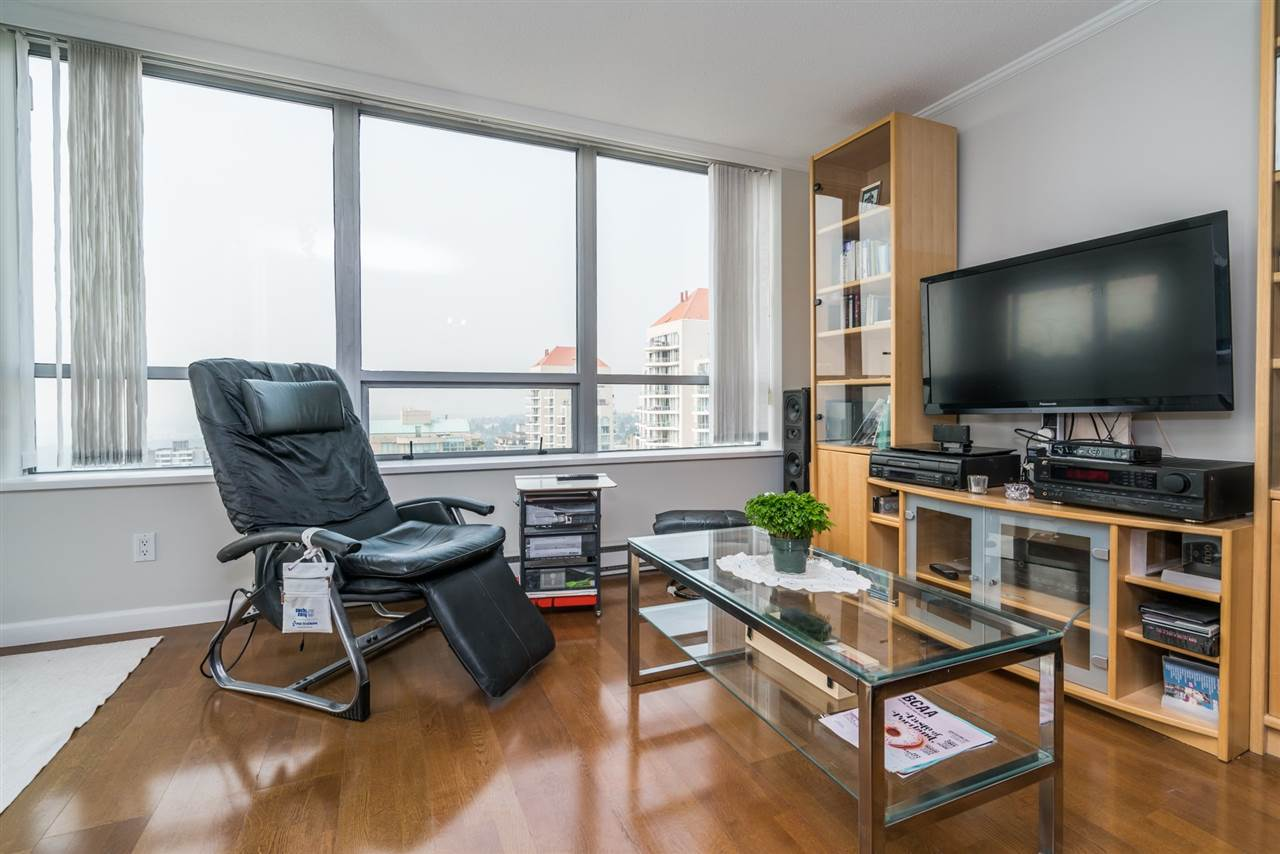 Condo Apartment at 1907 612 SIXTH STREET, Unit 1907, New Westminster, British Columbia. Image 4