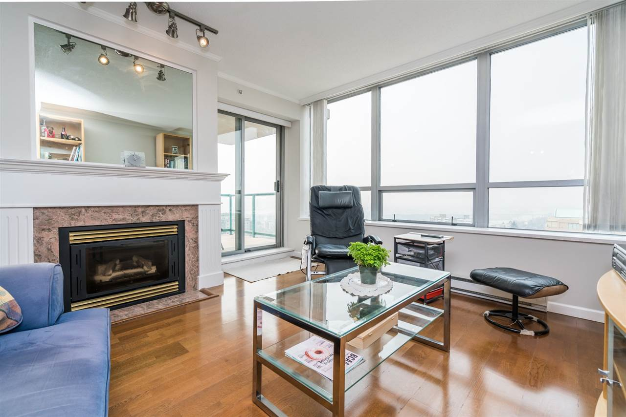 Condo Apartment at 1907 612 SIXTH STREET, Unit 1907, New Westminster, British Columbia. Image 5