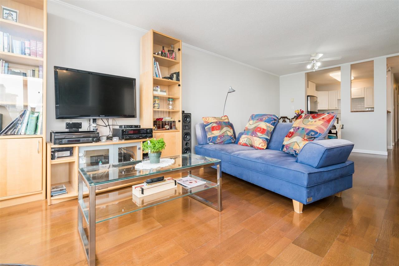Condo Apartment at 1907 612 SIXTH STREET, Unit 1907, New Westminster, British Columbia. Image 6