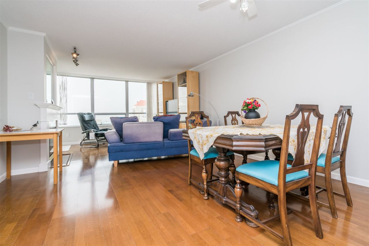 Condo Apartment at 1907 612 SIXTH STREET, Unit 1907, New Westminster, British Columbia. Image 7