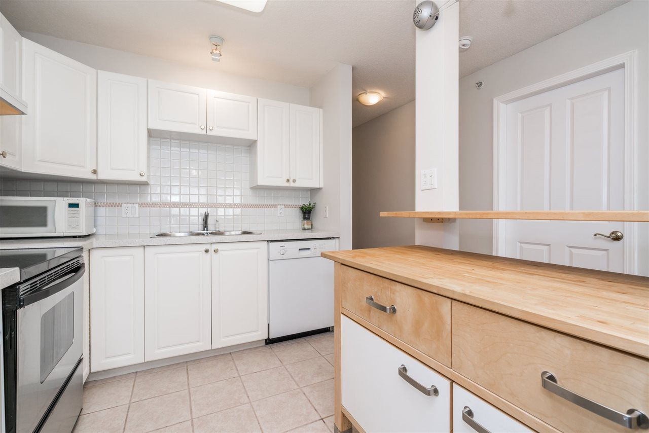Condo Apartment at 1907 612 SIXTH STREET, Unit 1907, New Westminster, British Columbia. Image 8