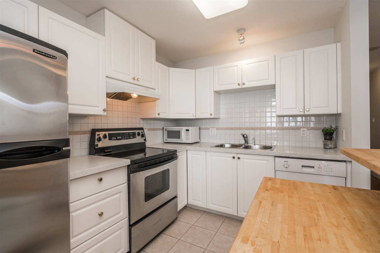 Condo Apartment at 1907 612 SIXTH STREET, Unit 1907, New Westminster, British Columbia. Image 9