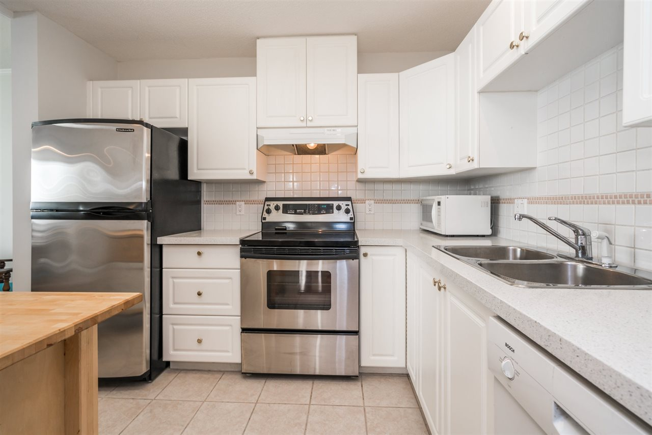 Condo Apartment at 1907 612 SIXTH STREET, Unit 1907, New Westminster, British Columbia. Image 10