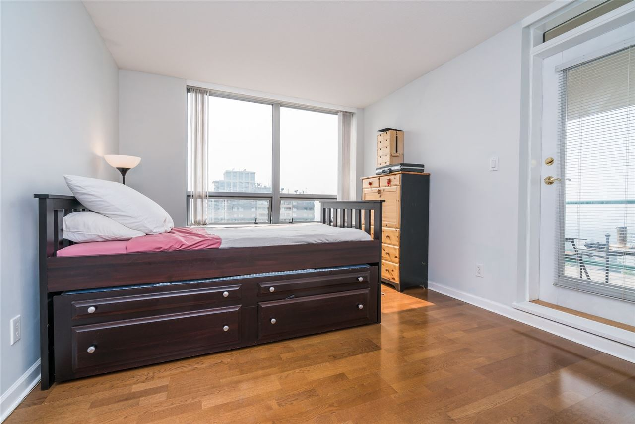Condo Apartment at 1907 612 SIXTH STREET, Unit 1907, New Westminster, British Columbia. Image 12