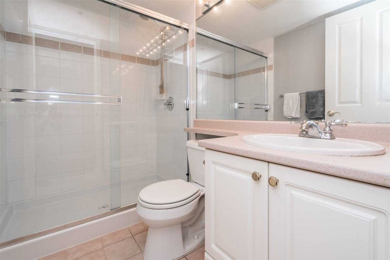 Condo Apartment at 1907 612 SIXTH STREET, Unit 1907, New Westminster, British Columbia. Image 15