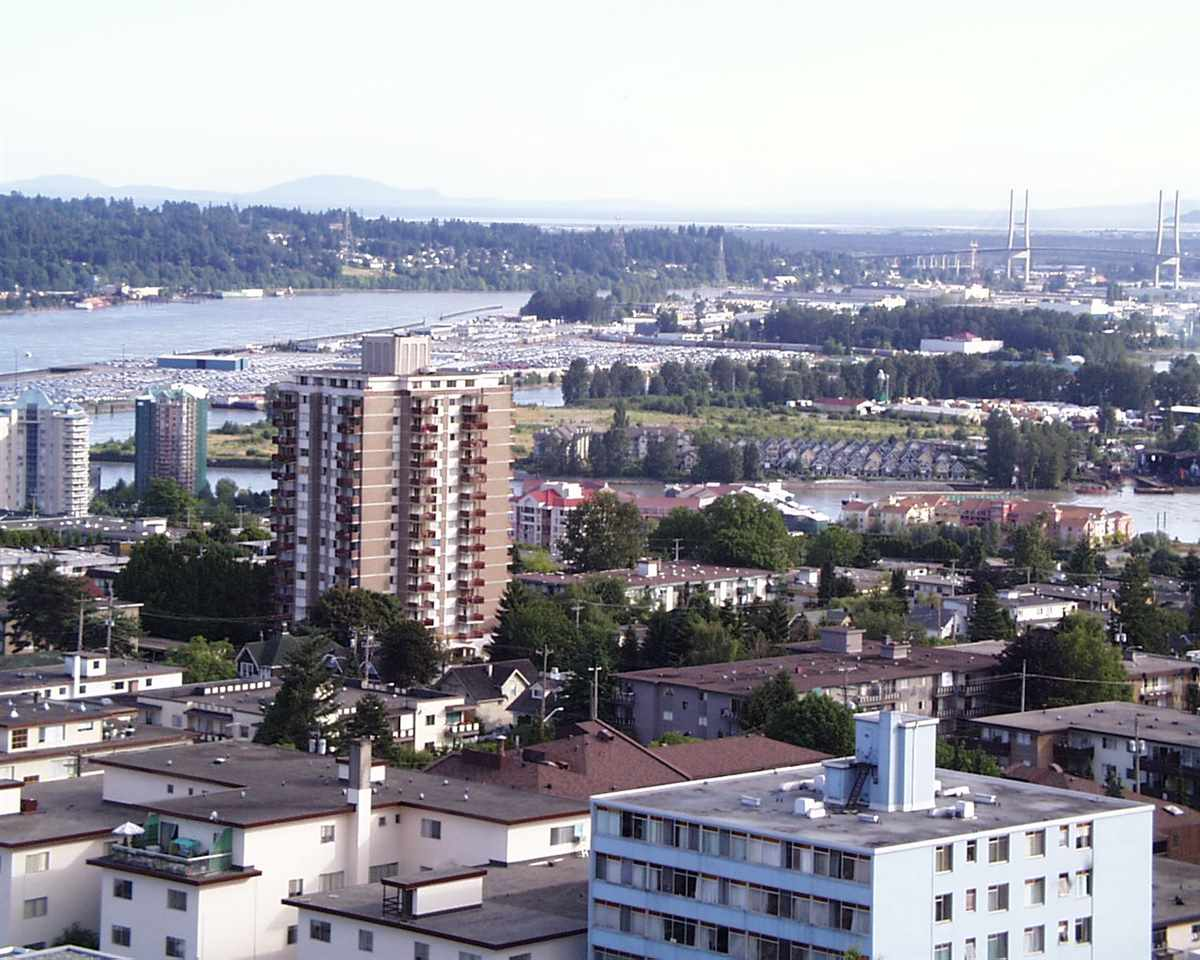 Condo Apartment at 1907 612 SIXTH STREET, Unit 1907, New Westminster, British Columbia. Image 18