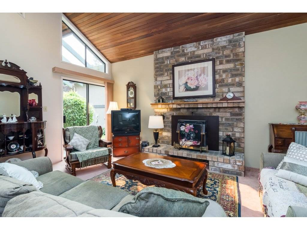Detached at 4535 206A STREET, Langley, British Columbia. Image 5