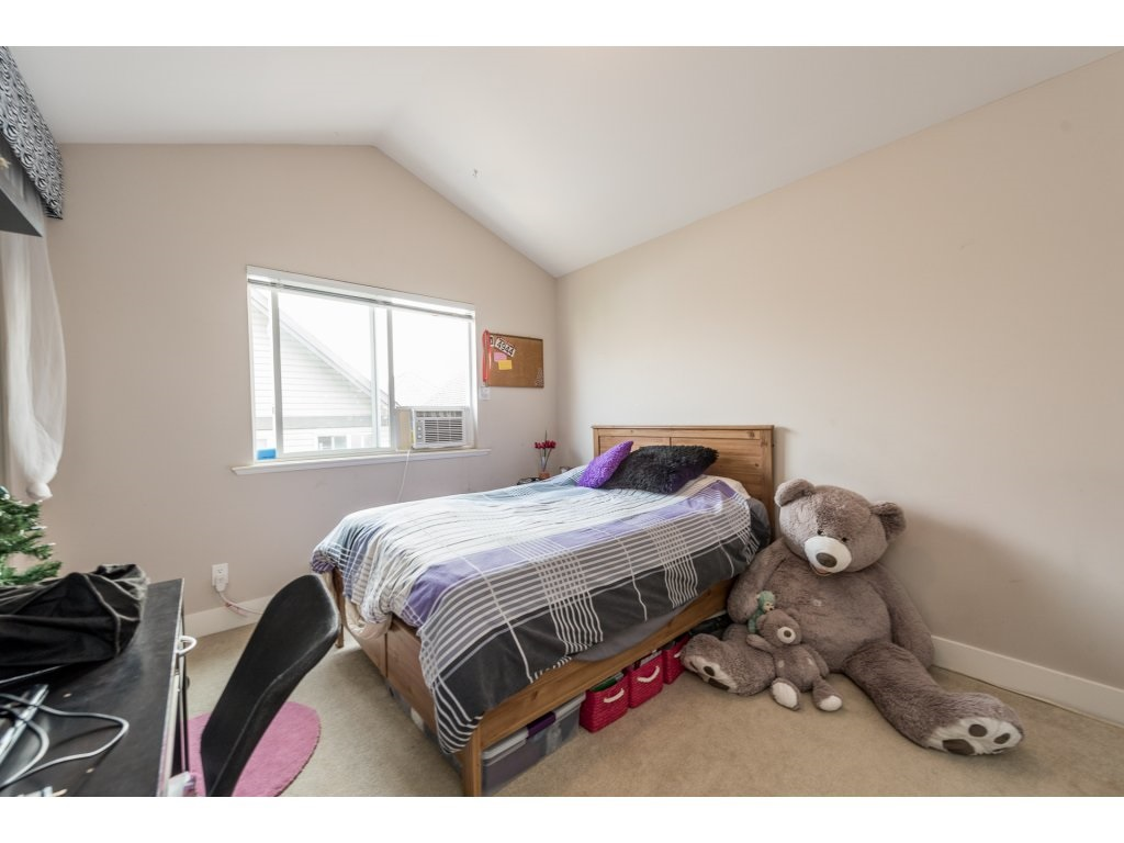 Detached at 19252 68A AVENUE, Cloverdale, British Columbia. Image 12