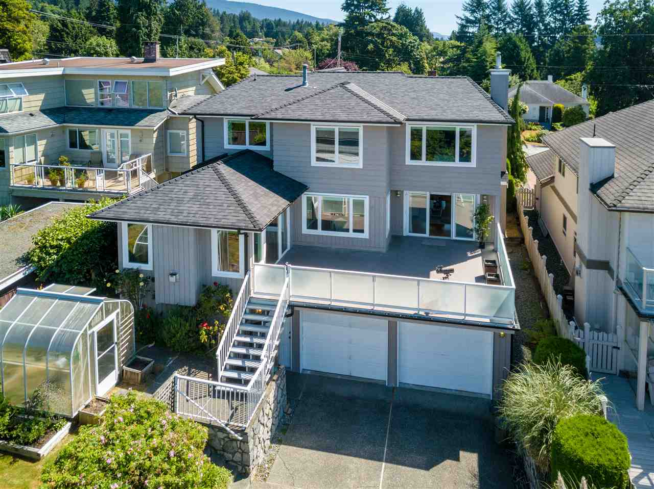 Detached at 1455 20TH STREET, West Vancouver, British Columbia. Image 4