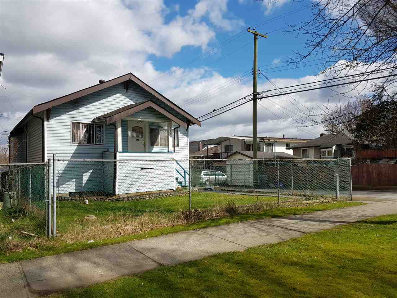 Detached at 2775 WARD STREET, Vancouver East, British Columbia. Image 2