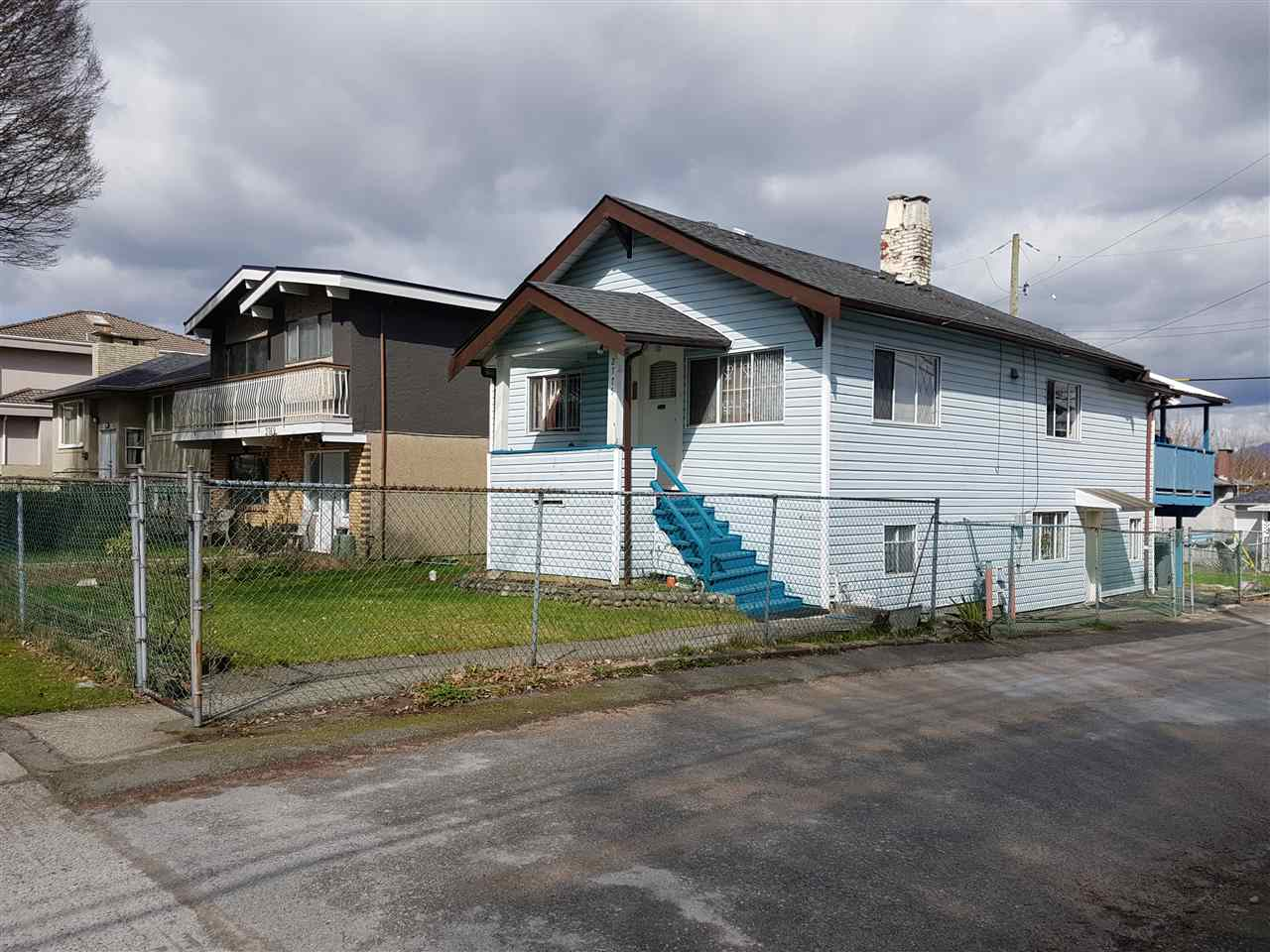 Detached at 2775 WARD STREET, Vancouver East, British Columbia. Image 3