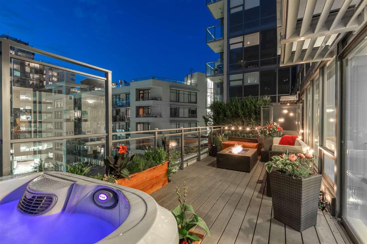Condo Apartment at PH615 161 E 1ST AVENUE, Unit PH615, Vancouver East, British Columbia. Image 1