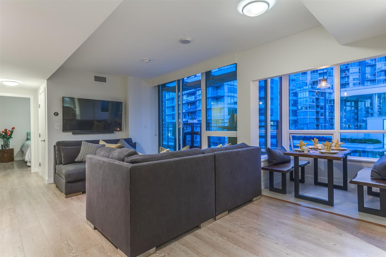Condo Apartment at PH615 161 E 1ST AVENUE, Unit PH615, Vancouver East, British Columbia. Image 4