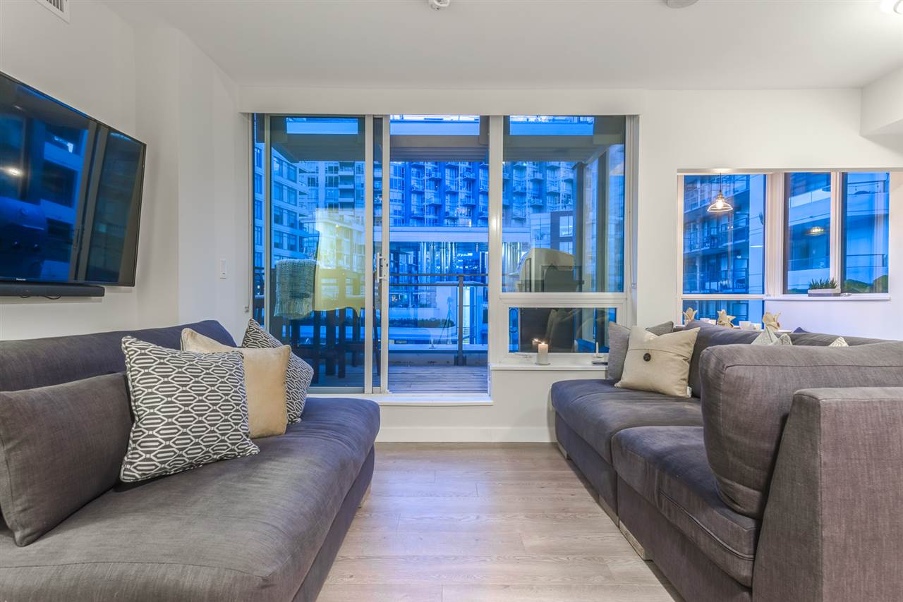 Condo Apartment at PH615 161 E 1ST AVENUE, Unit PH615, Vancouver East, British Columbia. Image 5