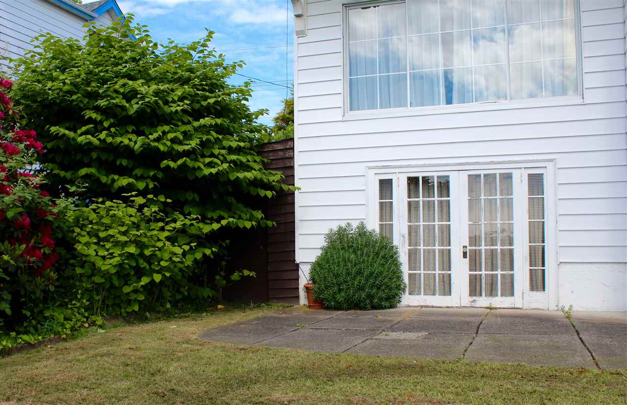 Detached at 1318 EIGHTH AVENUE, New Westminster, British Columbia. Image 16