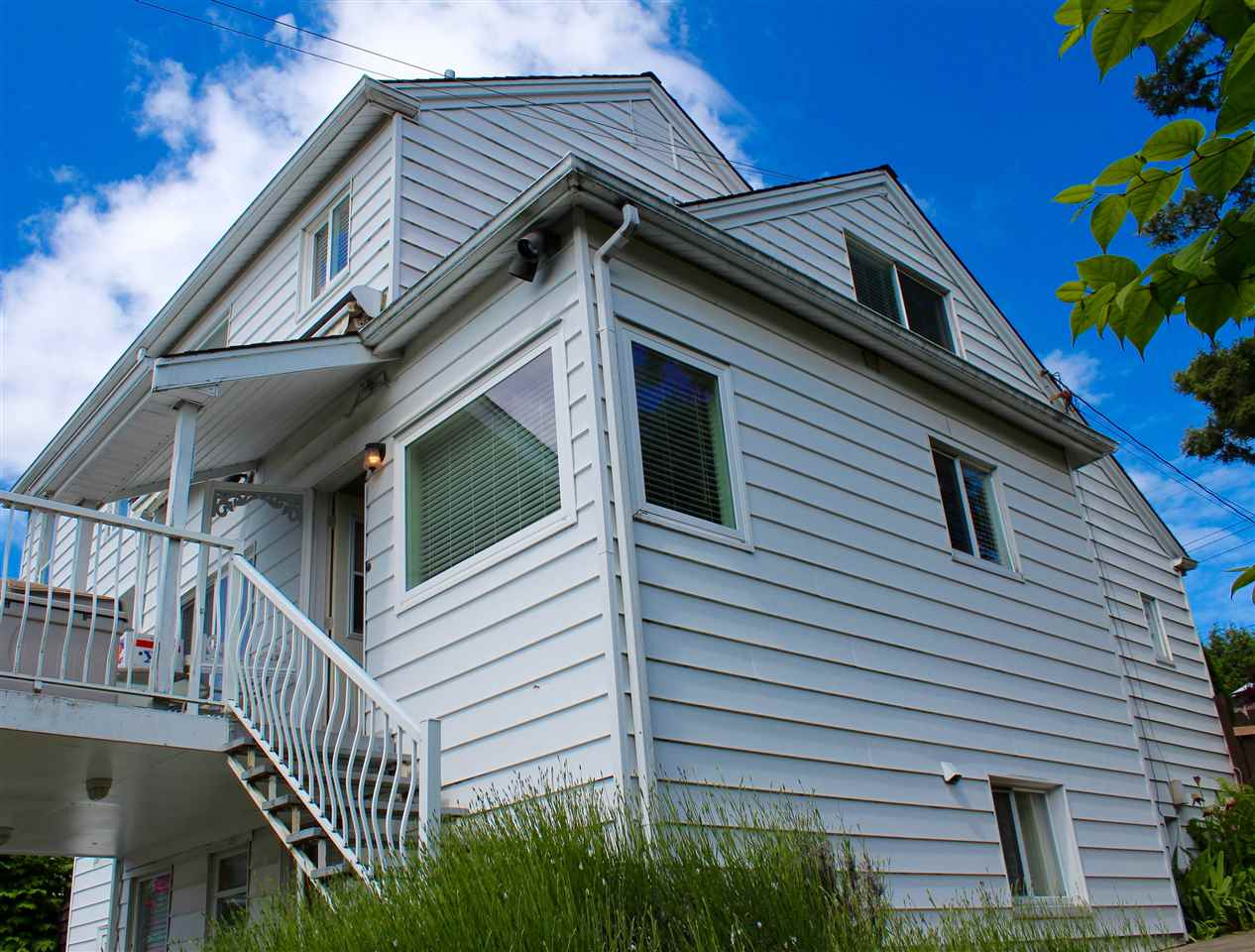 Detached at 1318 EIGHTH AVENUE, New Westminster, British Columbia. Image 17
