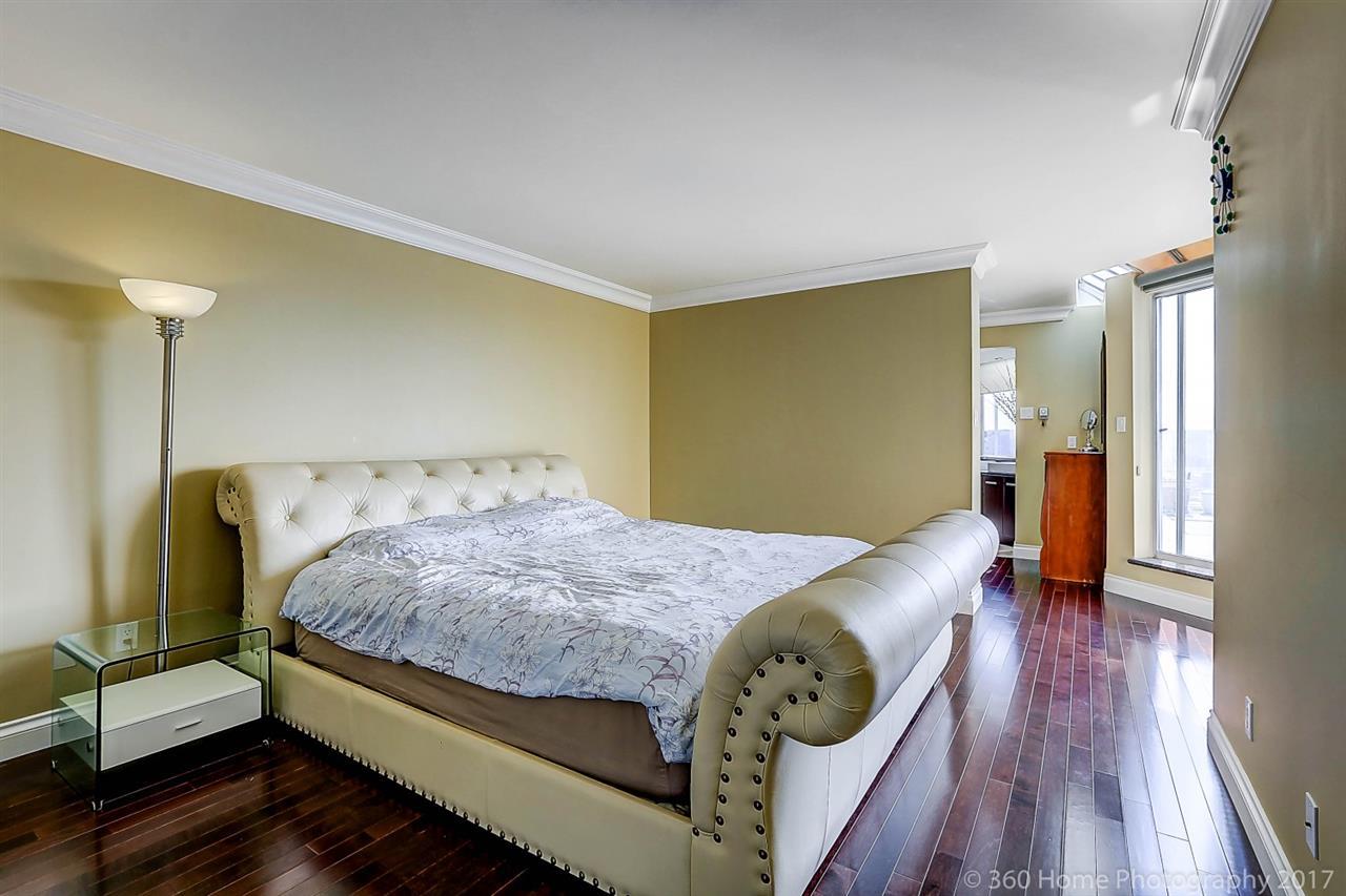 Condo Apartment at 1704 69 JAMIESON COURT, Unit 1704, New Westminster, British Columbia. Image 13