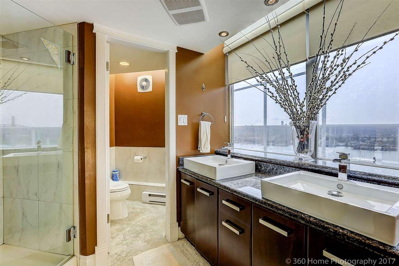 Condo Apartment at 1704 69 JAMIESON COURT, Unit 1704, New Westminster, British Columbia. Image 14