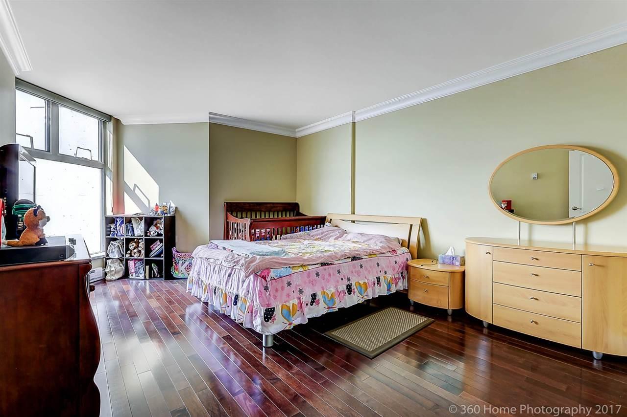 Condo Apartment at 1704 69 JAMIESON COURT, Unit 1704, New Westminster, British Columbia. Image 16