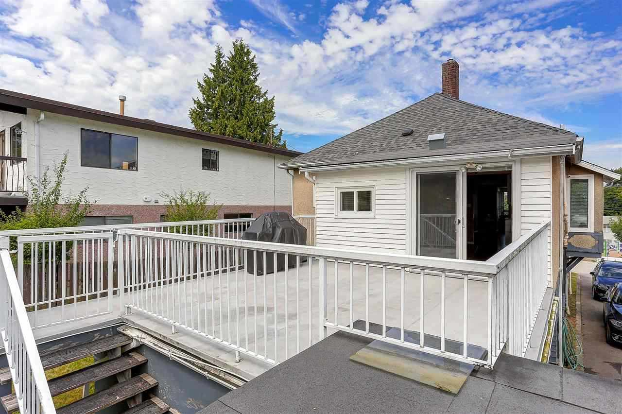 Detached at 7776 MAYFIELD STREET, Burnaby South, British Columbia. Image 11