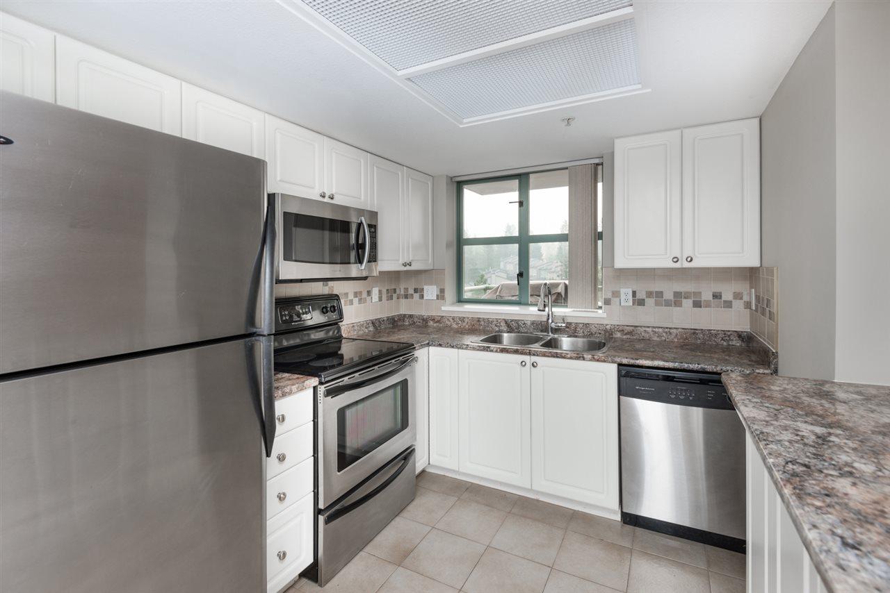 Condo Apartment at 1202 200 NEWPORT DRIVE, Unit 1202, Port Moody, British Columbia. Image 6