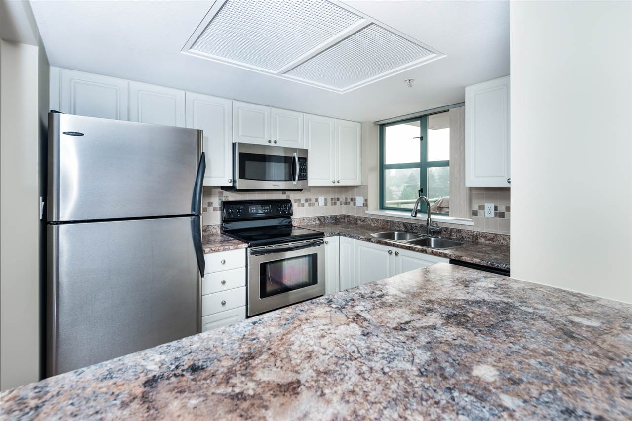 Condo Apartment at 1202 200 NEWPORT DRIVE, Unit 1202, Port Moody, British Columbia. Image 7