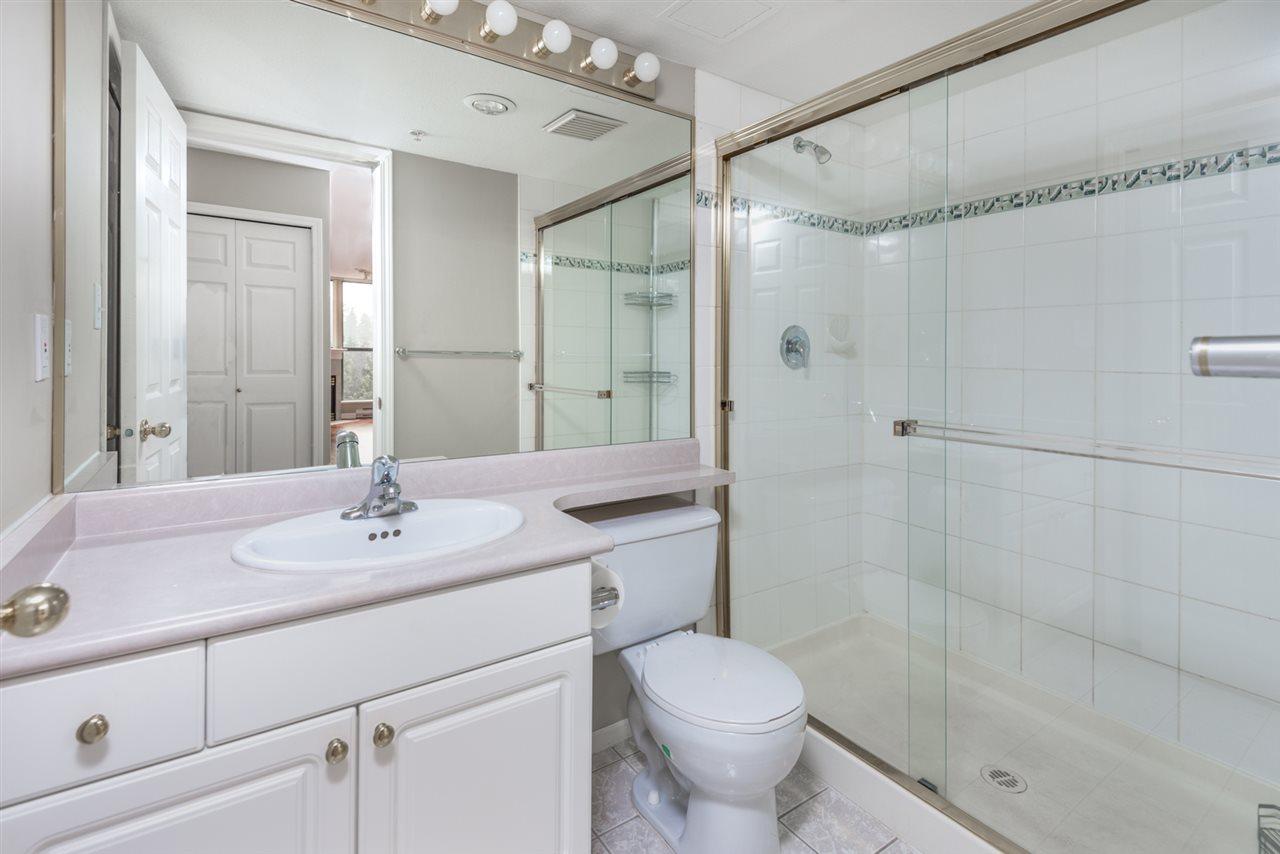 Condo Apartment at 1202 200 NEWPORT DRIVE, Unit 1202, Port Moody, British Columbia. Image 9
