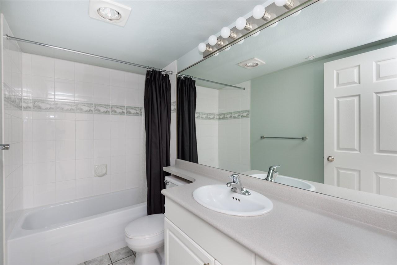 Condo Apartment at 1202 200 NEWPORT DRIVE, Unit 1202, Port Moody, British Columbia. Image 11