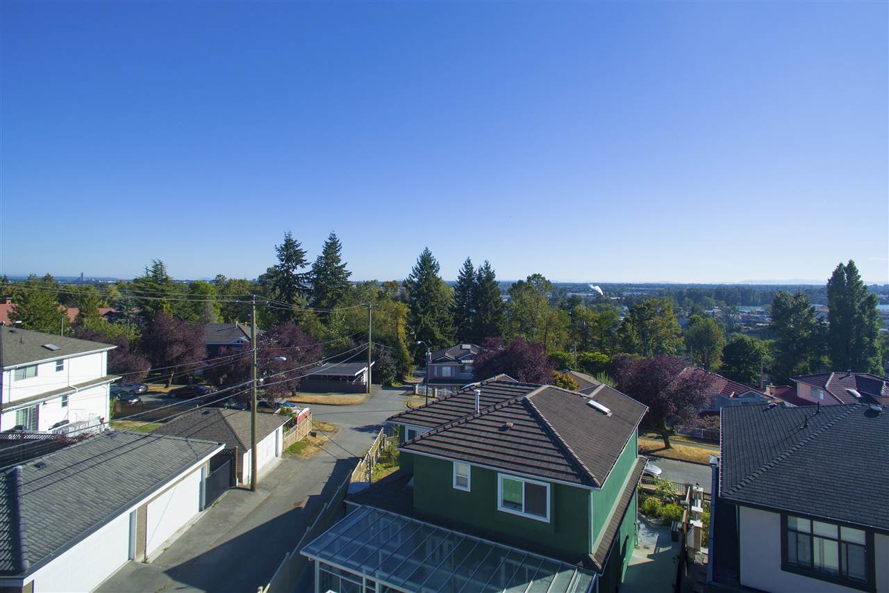 Detached at 1978 E 64TH AVENUE, Vancouver East, British Columbia. Image 2