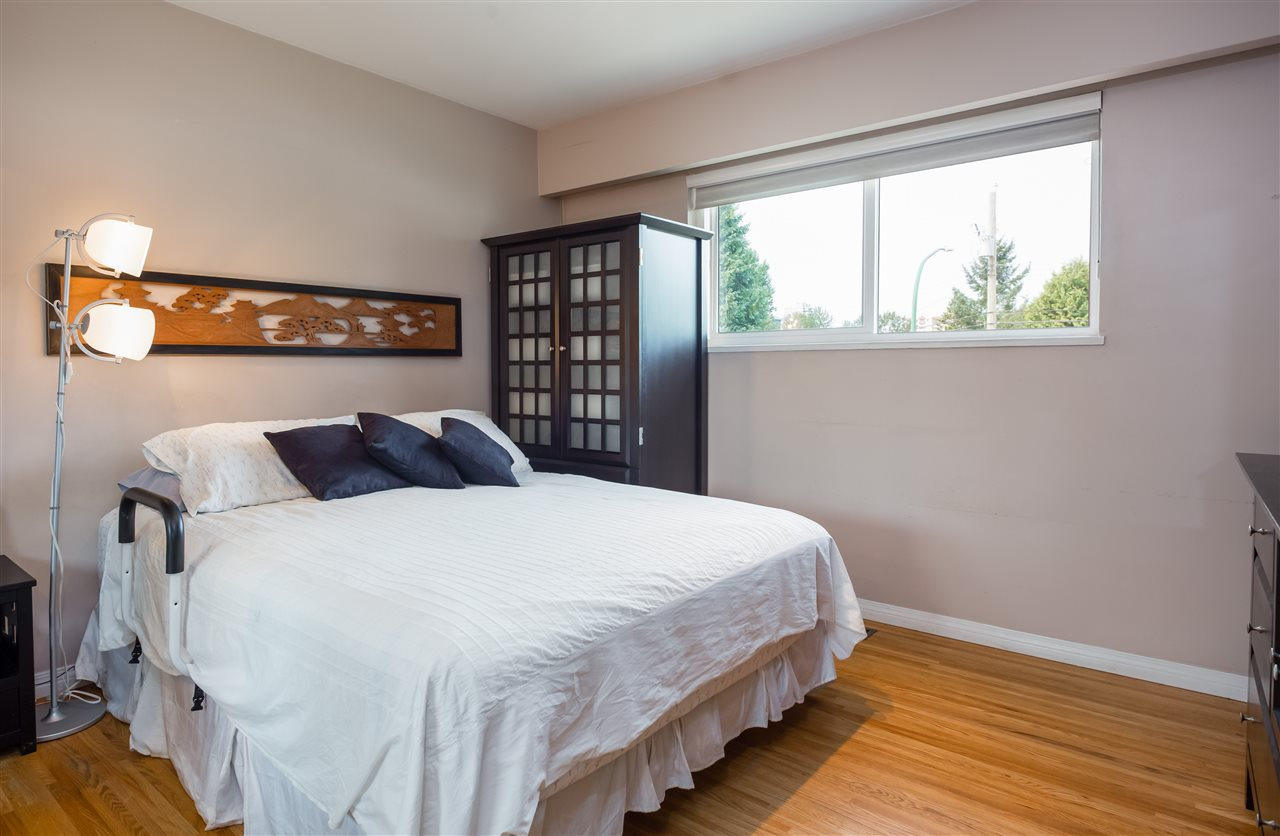 Detached at 1740 HOWARD AVENUE, Burnaby North, British Columbia. Image 9
