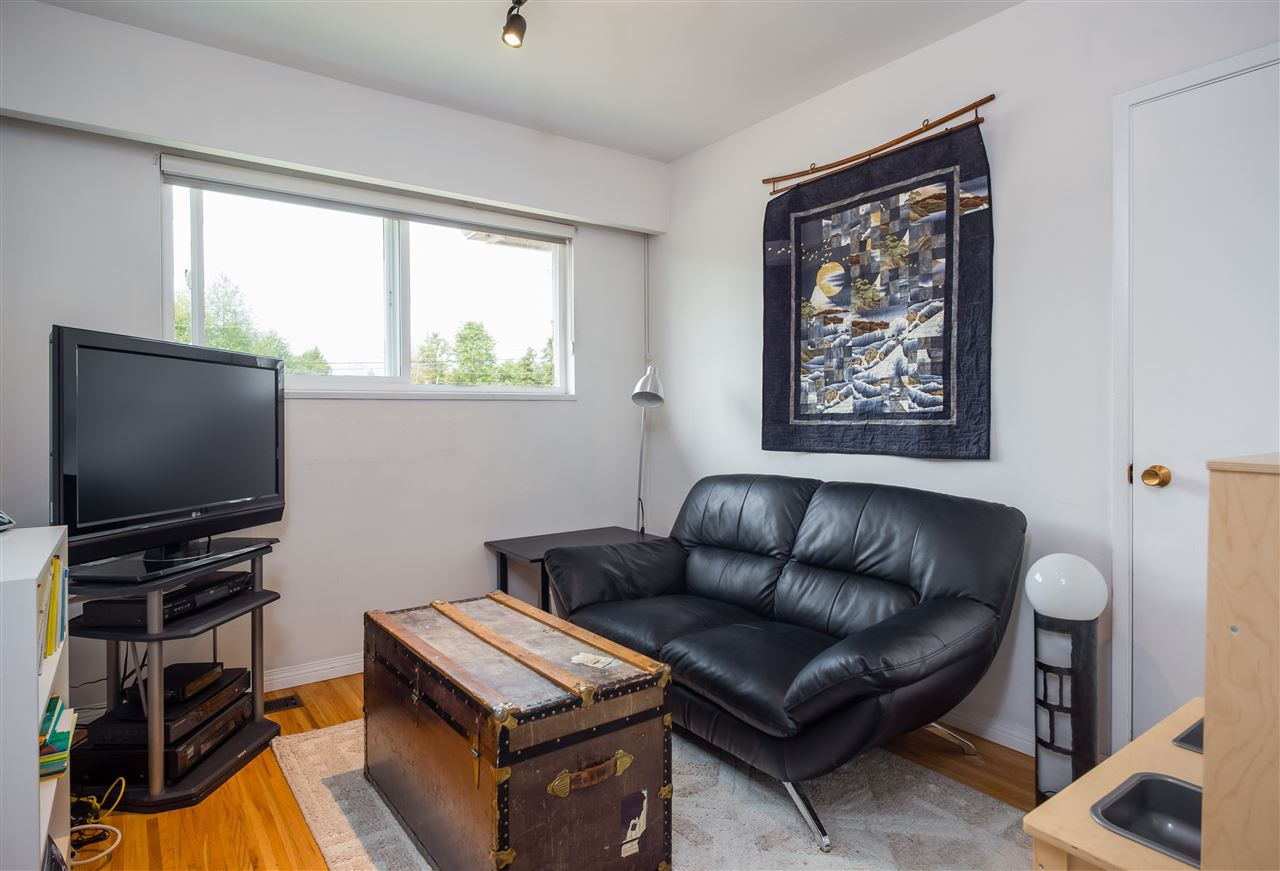 Detached at 1740 HOWARD AVENUE, Burnaby North, British Columbia. Image 11