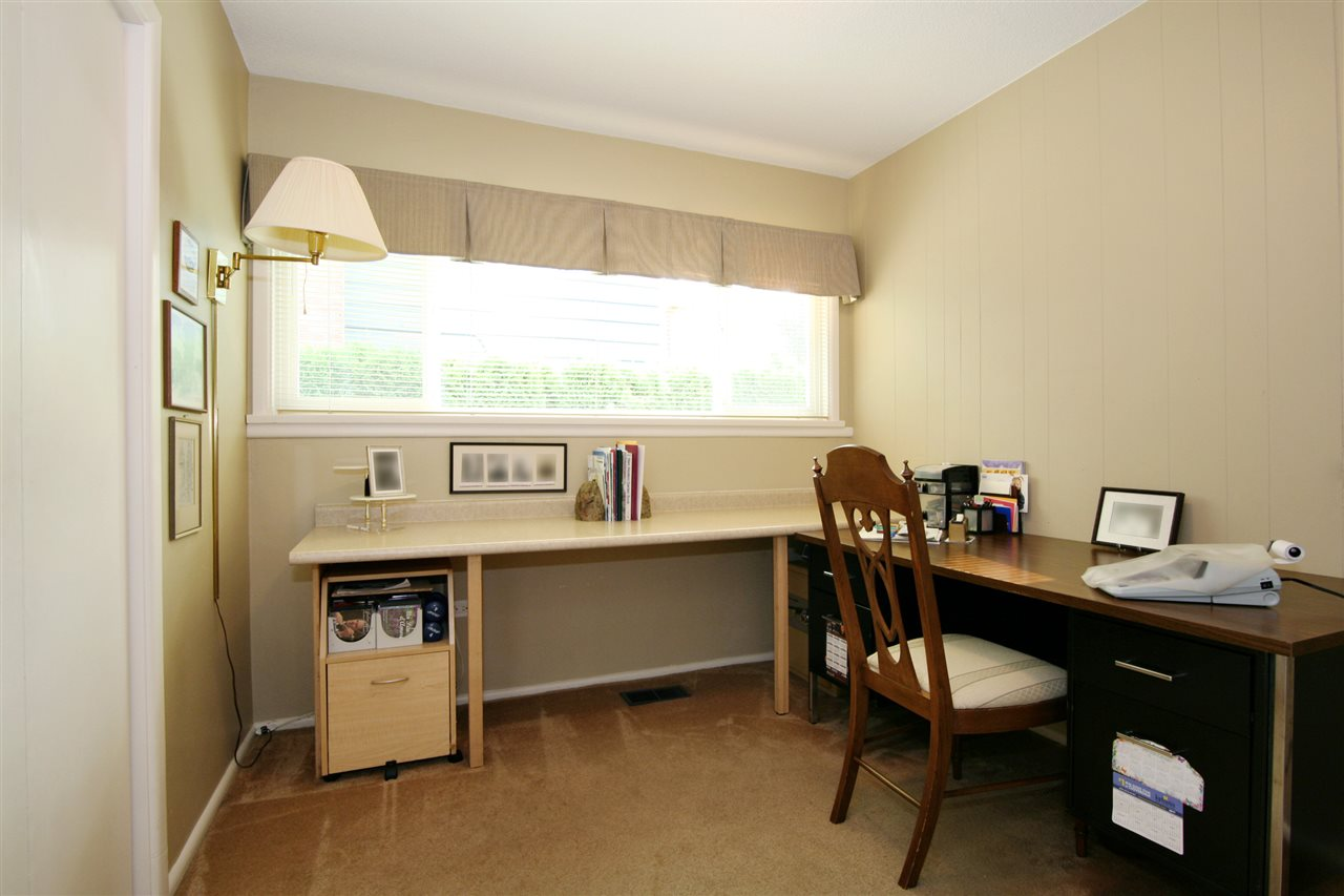 Detached at 18048 58A AVENUE, Cloverdale, British Columbia. Image 12