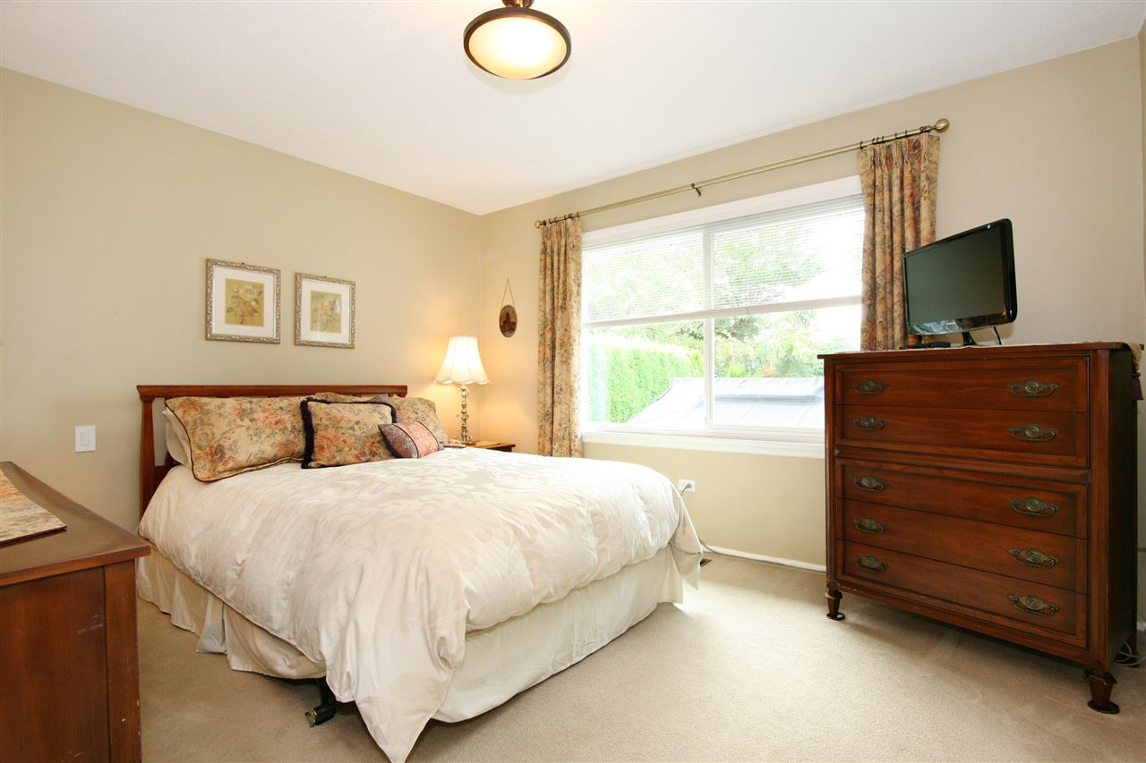 Detached at 18048 58A AVENUE, Cloverdale, British Columbia. Image 13