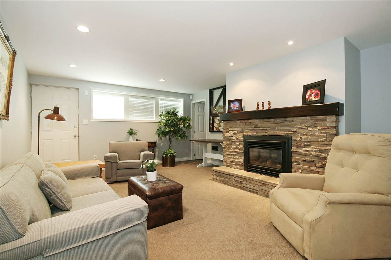Detached at 18048 58A AVENUE, Cloverdale, British Columbia. Image 14