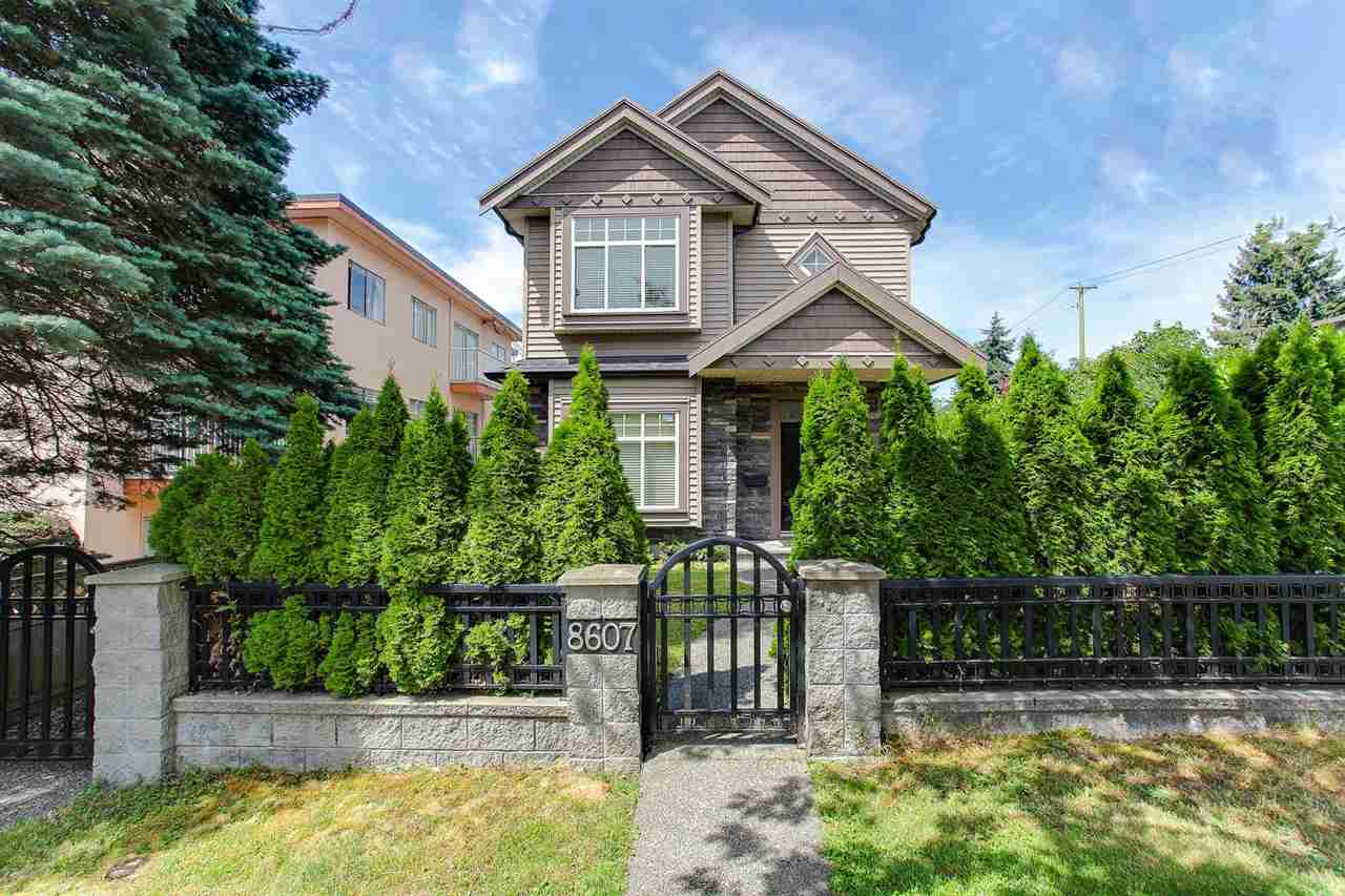 Half-duplex at 8607 HEATHER STREET, Vancouver West, British Columbia. Image 3