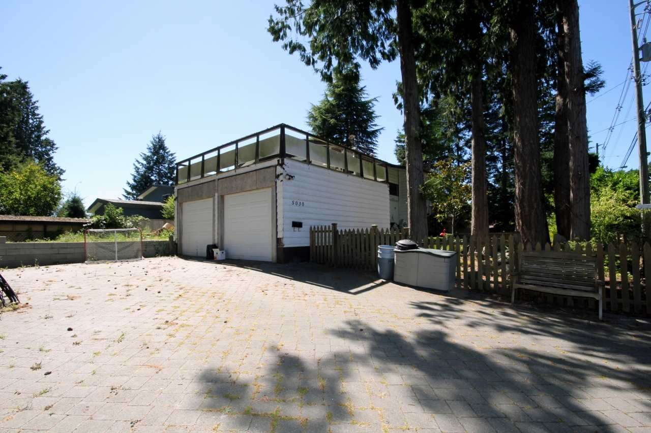 Detached at 5030 1 AVENUE, Tsawwassen, British Columbia. Image 2