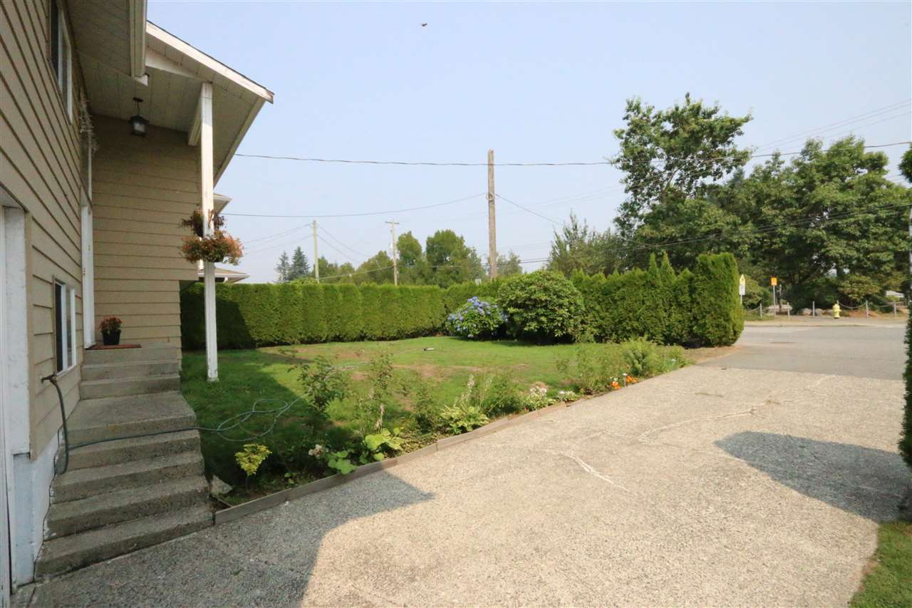 Detached at 7681 WREN STREET, Mission, British Columbia. Image 2