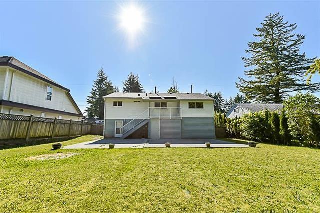 Detached at 10676 142 STREET, North Surrey, British Columbia. Image 20
